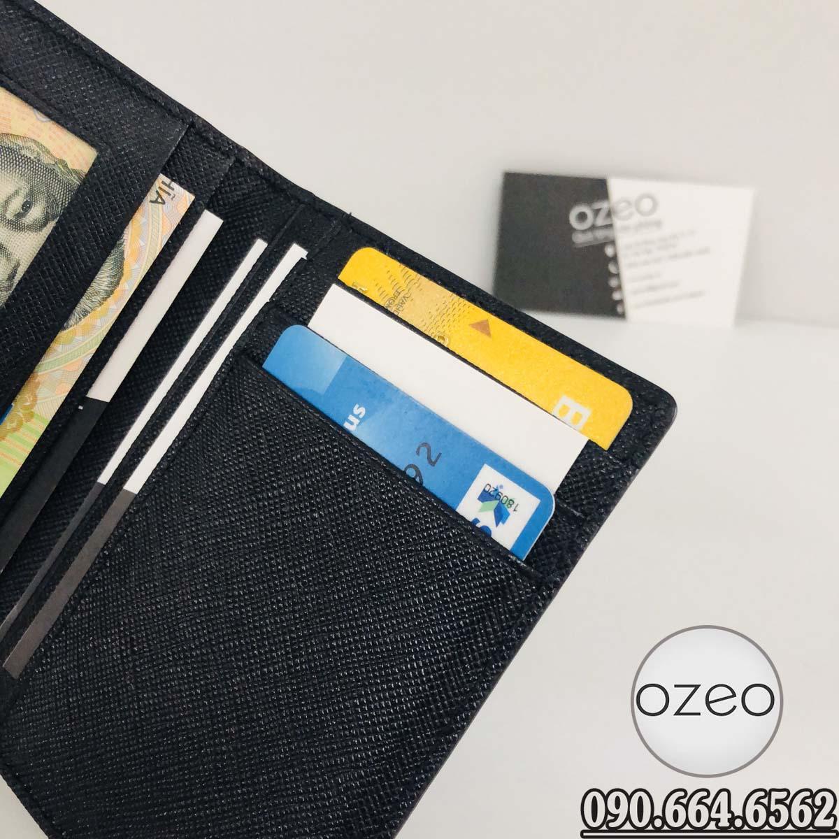 Các ngăn đựng thẻ card của ví VNC01