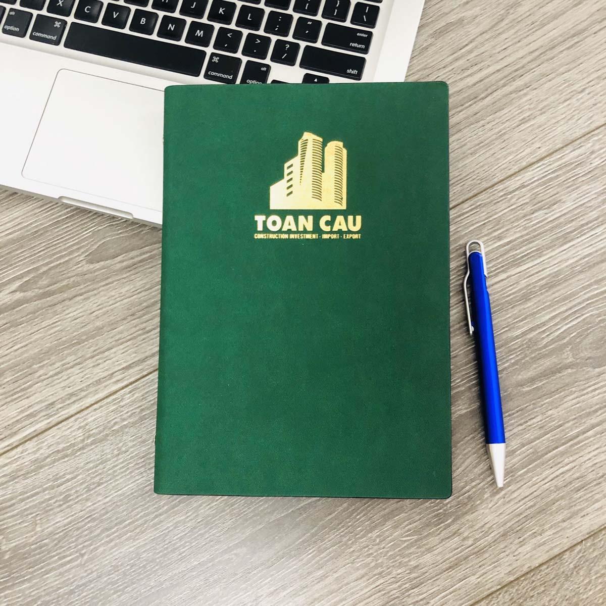 Sổ tay bìa da in logo làm quà tặng văn phòng hữu ích